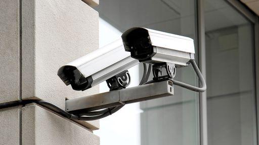 Videoporteiro Axis tem câmera full HD e pode ser controlado por aplicativo