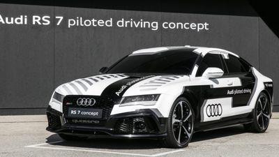 """Audi """"treina"""" carros autônomos para que tenham """"maneiras humanas"""""""