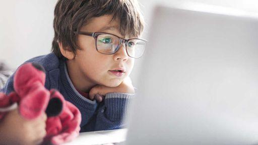 Liberadas mais de mil aulas para alunos do Fundamental e Médio no YouTube