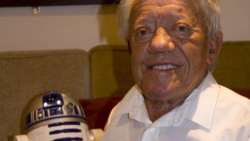 Kenny Baker, o eterno R2-D2, morre aos 81 anos