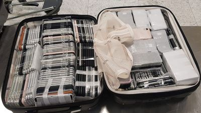 Passageiro chega com 246 iPhones na mala e é preso no Aeroporto de Guarulhos
