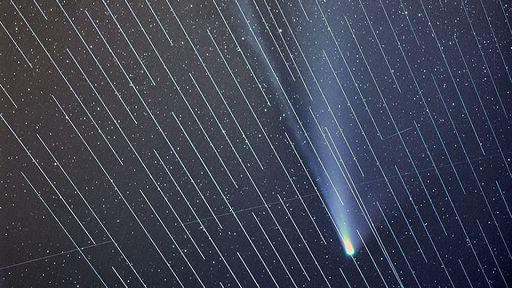 Satélites Starlink agora são invisíveis a olho nu, mas não para telescópios