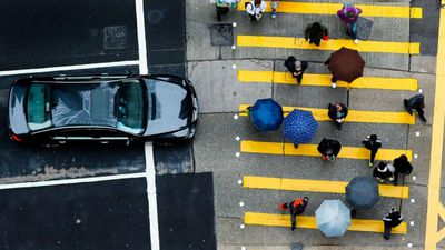 Uber pede permissão para retomar testes com carros autônomos