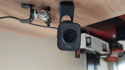 Análise: StreamCam Plus é webcam parruda e versátil para streamers profissionais