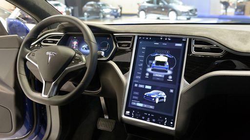Apple contrata executivo ex-Tesla especialista em interiores de automóveis