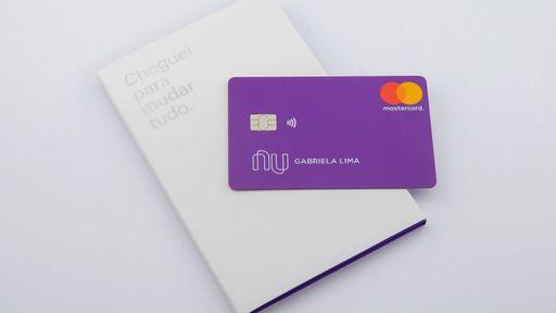 Nubank comemora marca de 10 milhões de clientes e acaba com fila de espera