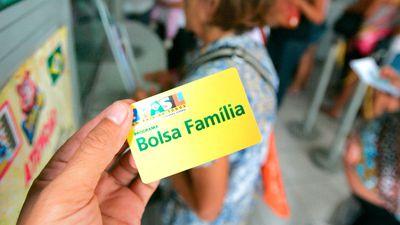 Golpe no WhatsApp usa Bolsa Família para roubar dados de usuários