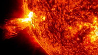 Nave espacial da NASA encontra raro filamento no Sol