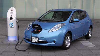 Brasil tem poucos veículos elétricos; alto custo é um dos vilões