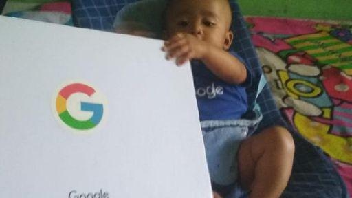 """Pais decidem chamar o filho de """"Google"""" na Indonésia"""