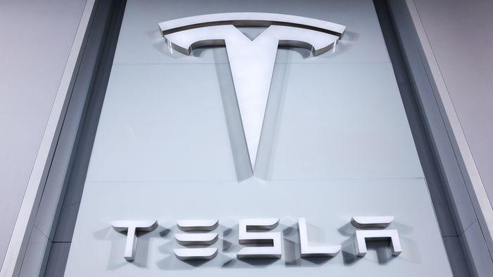 Tesla | Aceleração repentina deve resultar em recall de meio milhão de carros