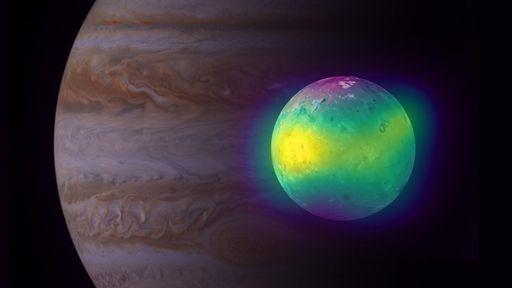 Vulcões ativos produzem de 30 a 50% da atmosfera de Io, lua de Júpiter