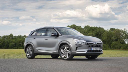 Carro movido a hidrogênio da Hyundai faz 900 km por tanque e ainda purifica o ar