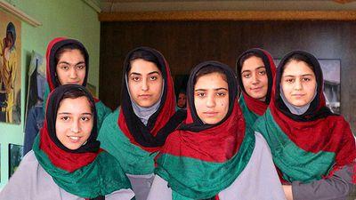 EUA negam visto para meninas afegãs participarem de competição de robótica