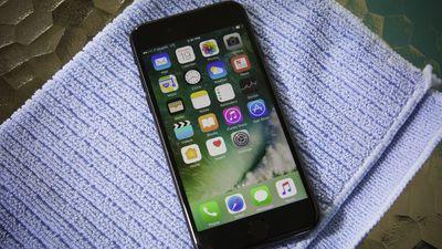 Sharp pode ser a fornecedora oficial das telas OLED para o iPhone 8