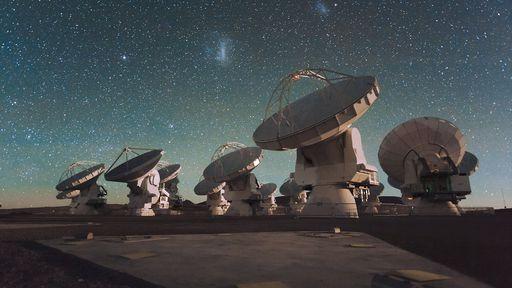 """Observatório ALMA agora é capaz de observar a """"infância"""" do universo"""