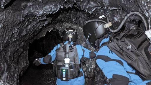 Por que essas pessoas exploraram tubos de lava no Havaí usando trajes espaciais?