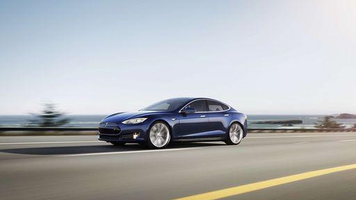 """Tesla lança """"piloto automático"""" que faz carros estacionarem sozinhos"""