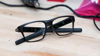 Intel interrompe a produção dos óculos inteligentes Vaunt