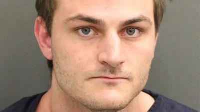 Youtuber é preso após mentir sobre atirador em um resort da Disney