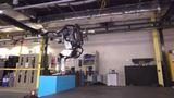 Robô Atlas evolui e agora é capaz de dar saltos mortais para trás