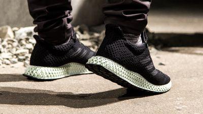 Adidas anuncia produção em massa de tênis feito por impressão 3D líquida