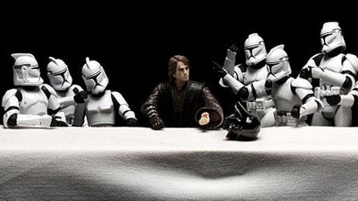 Artista recria cenas famosas de filmes e quadros com bonecos da saga Star Wars