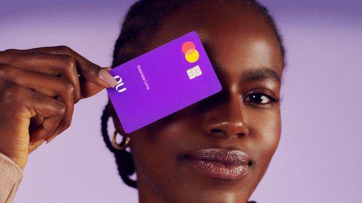 Onde fica o CVV do cartão Nubank?