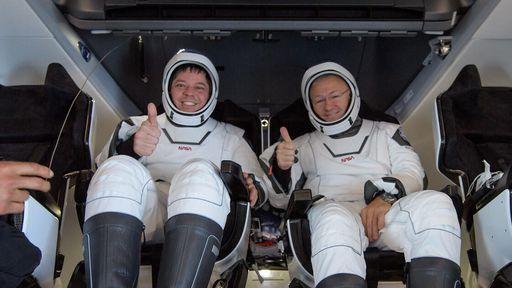 Astronautas passaram trotes telefônicos enquanto esperavam resgate no oceano