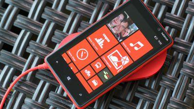 Nokia anunciou lançamento do smartphone intermediário Lumia 820