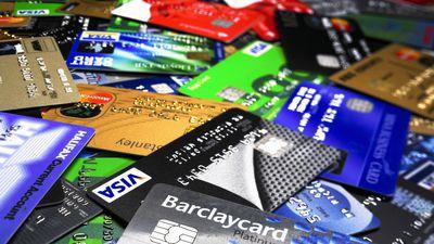 Falsários estão substituindo chips dos cartões de débito antes da entrega