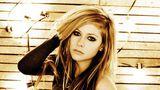 Avril Lavigne surpreende e é a pessoa mais perigosa da internet
