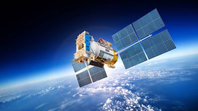 Satélite construído por estudantes do ensino fundamental entra em órbita