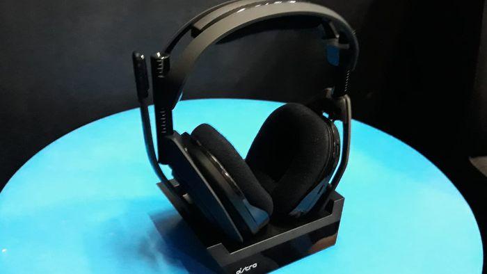Astro apresenta no Brasil novo headset sem fio e controle profissional