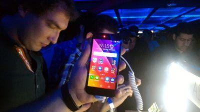ASUS lança Zenfone GO e Live no Brasil