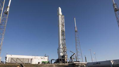 Falcon 9, da SpaceX, é lançado com sucesso transportando três toneladas de carga