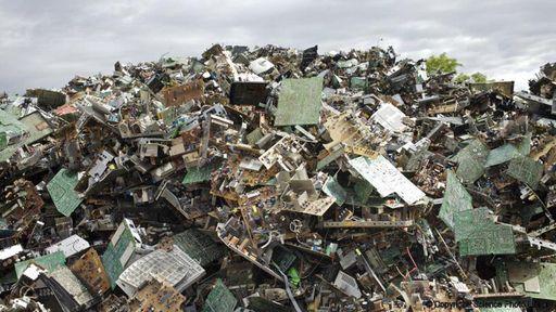 Uma análise da obsolescência programada e o acúmulo de lixo eletrônico no mundo