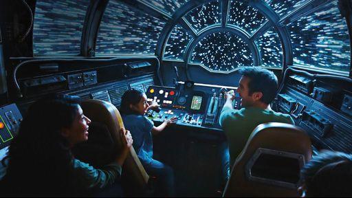Disney abre anexo temático de Star Wars para público, que enfrenta longas filas