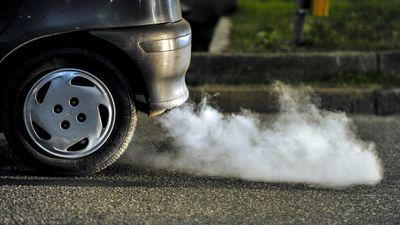 China proibirá a venda de carros movidos a motor de combustão em 2030