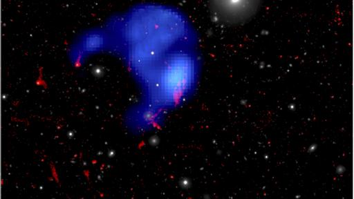 """Gás do meio interestelar formou """"nuvem órfã"""" solitária em aglomerado de galáxias"""