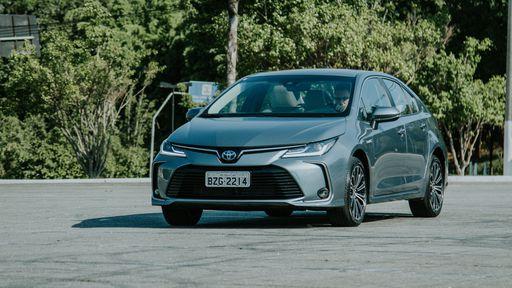 Toyota confirma que vai lançar no Brasil mais um carro híbrido flex