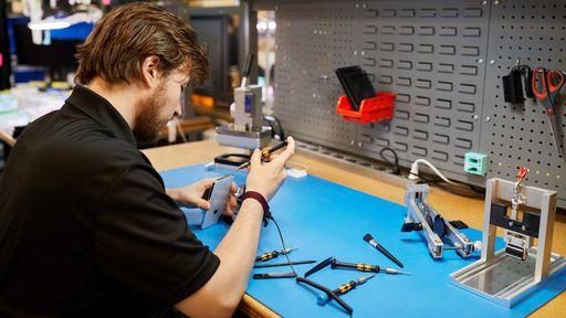 Apple certificará lojas terceirizadas que fazem reparos em iPhones
