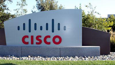 Cisco tem bom ano fiscal, mas vai cortar mais de 5 mil empregos