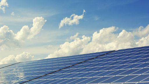 Empresas apostam em telhas com grafeno para gerar energia elétrica