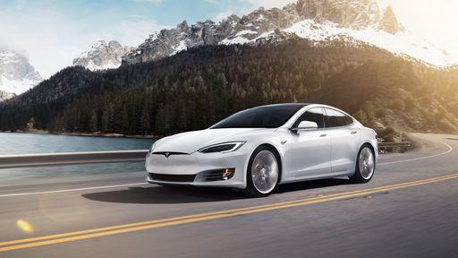 Qual a diferença entre o piloto automático e a direção automática da Tesla?