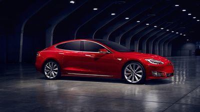 Tesla atualiza sistema operacional de seus carros e agora tem até jogos do Atari