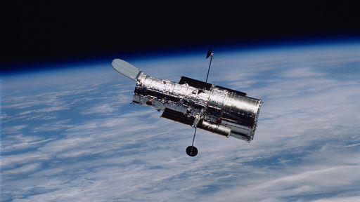 Agora vai? NASA alterna sistemas do Hubble e telescópio deve retomar observações