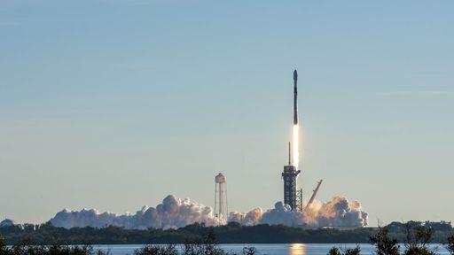 SpaceX bate recorde com foguete Falcon 9 em novo lançamento do projeto Starlink