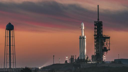 """Missão para """"farejar"""" água na Lua em 2023 será lançada por foguete Falcon Heavy"""