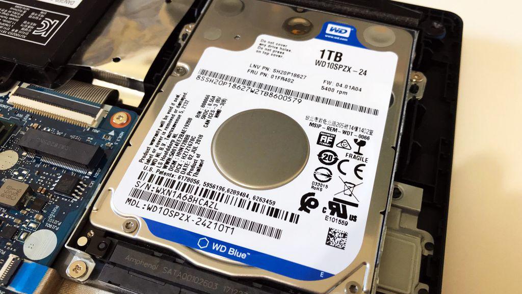 Eis o vilão! Disco rígido de apenas 5400 RPM é o principal gargalo deste notebook da Lenovo